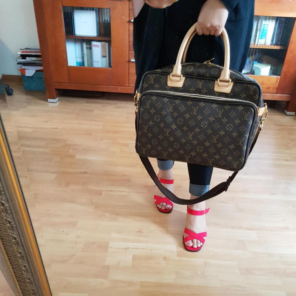 louis-vuitton-89615-10-300138