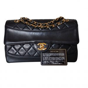 2a41c3675daea2 Authentic vintage black Chanel single flap chain shoulderbag