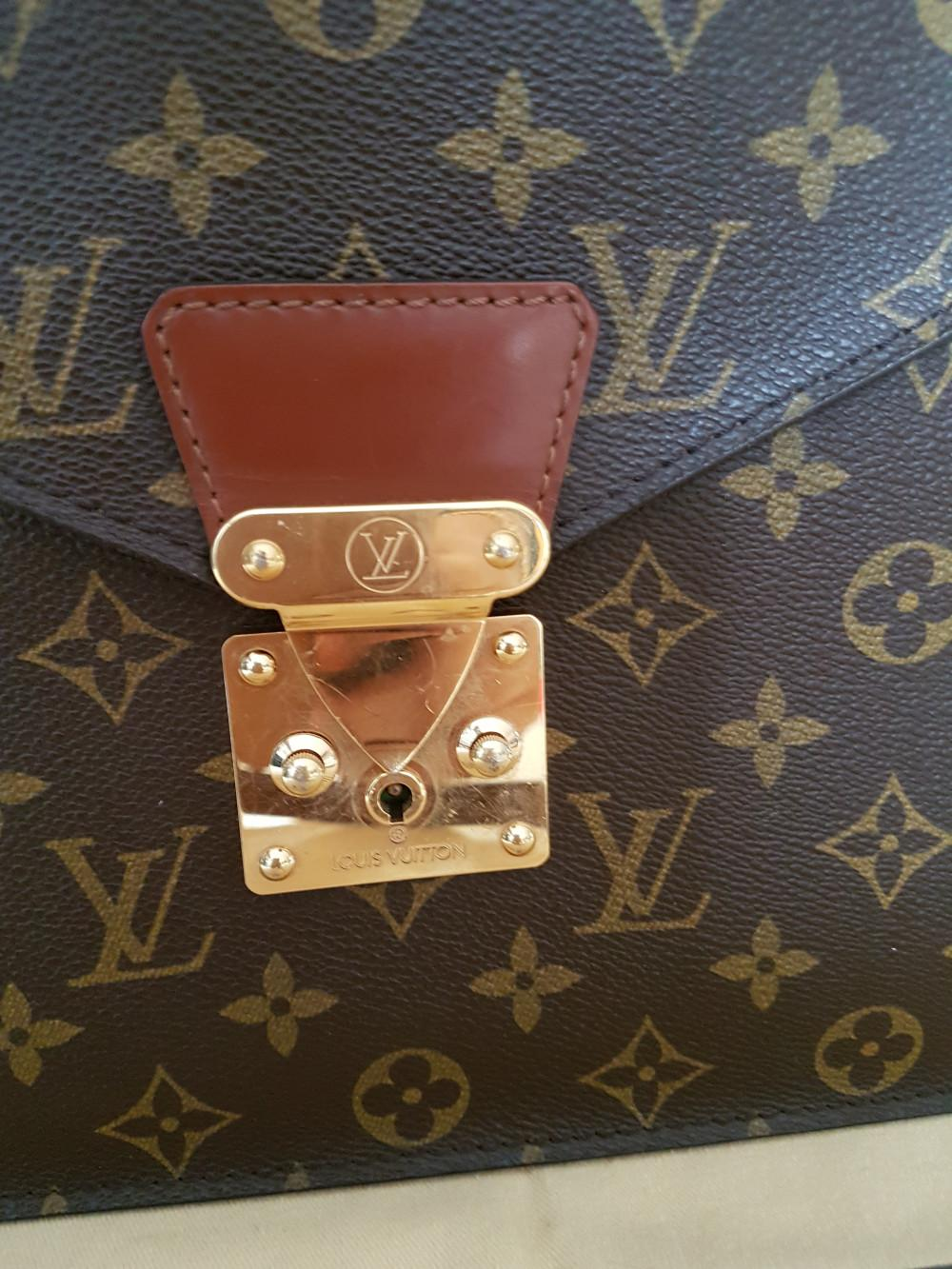 louis-vuitton-93678-6-332839