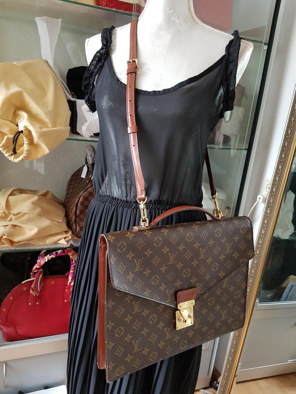 louis-vuitton-93678-8-332841