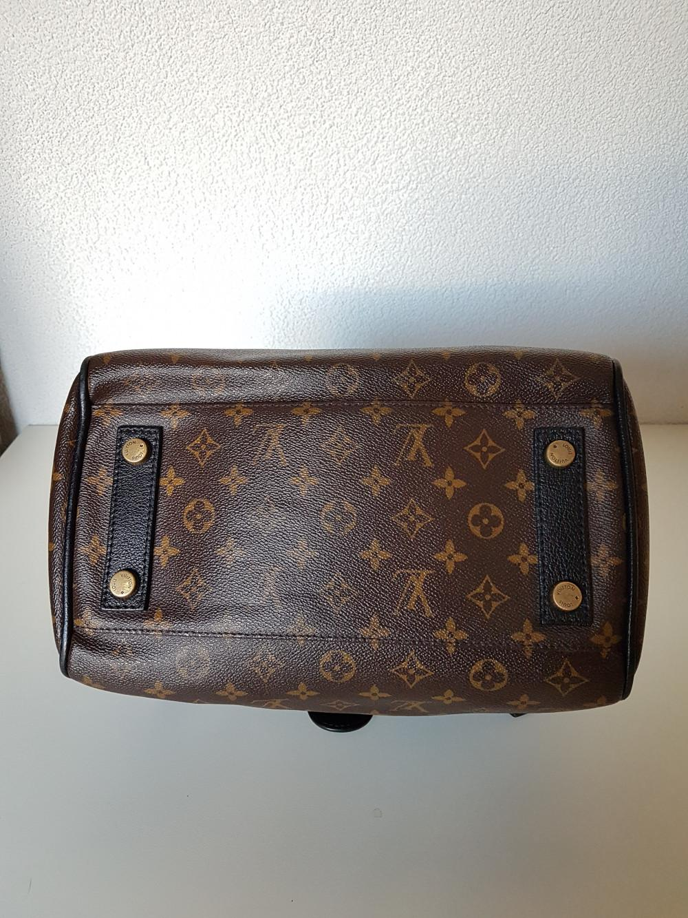 louis-vuitton-96161-9-352737