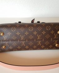 louis-vuitton-97319-10-362125