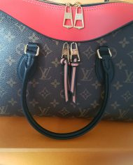 louis-vuitton-97319-5-362098
