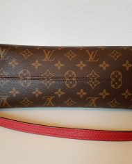 louis-vuitton-97742-12-365351