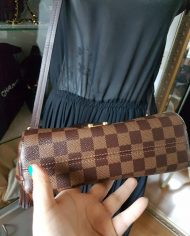 louis-vuitton-99652-4-380827