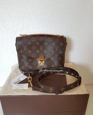 louis-vuitton-102661-405940