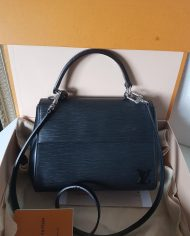 louis-vuitton-106442-437847
